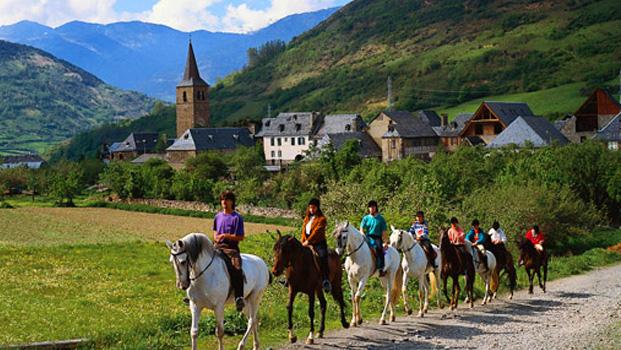Qu pueblos visitar al llegar al valle de ar n baqueira blog - Casas rurales valle de aran ...